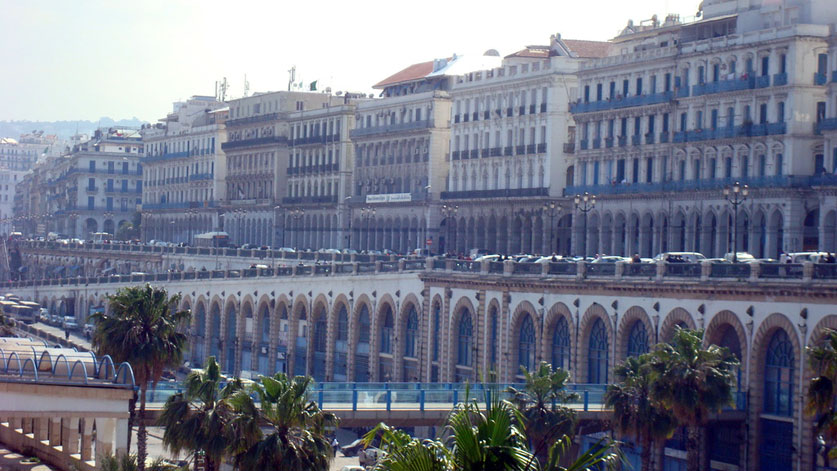 Photo du front de mer d'Alger (boulevard Zighoud Youcef)