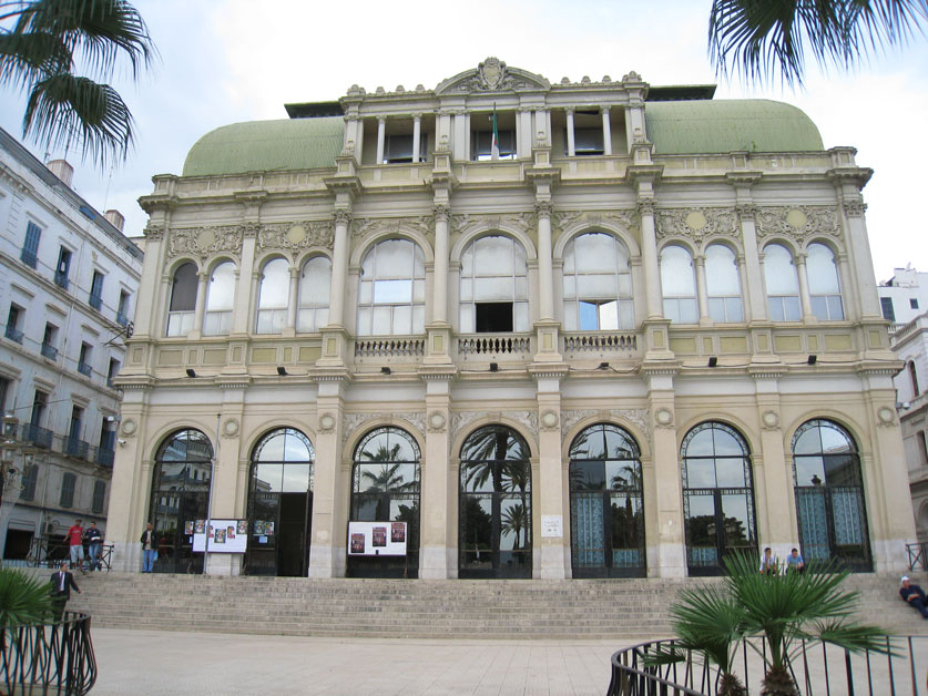 Photo du théâtre national algérien à Alger